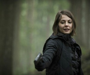 arrow, thea queen, and willa holland image