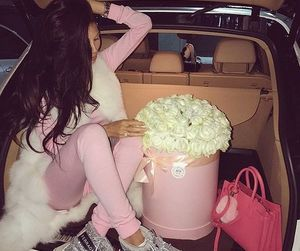 car and roses image