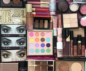 accessories, eyebrows, and glam image