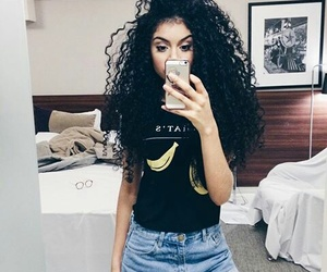 curly, girl, and cachos image