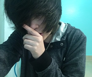 grunge, pale, and emo kid image