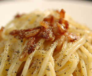 bacon, macro, and d40 image