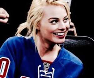 margot robbie and icon image
