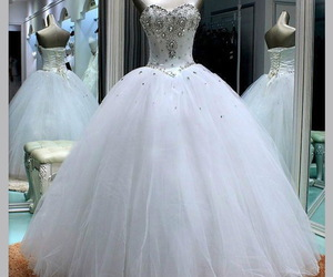 ball gown, sweetheart neckline, and princess wedding dress image