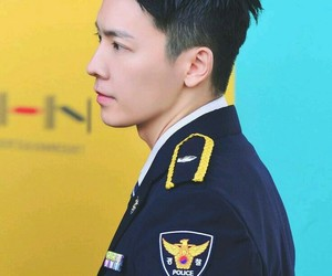 donghae, handsome, and kpop image