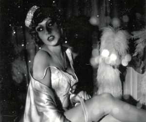2004, circus, and preto e branco image