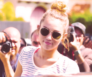 miley cyrus, photo, and sunglasses image