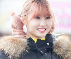 k-pop, momo, and twice image