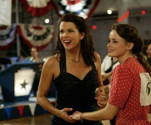 gilmore girls, rory, and daughter image