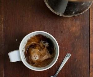 تفسير حلم شرب القهوة معنى اعداد قهوه في المنام