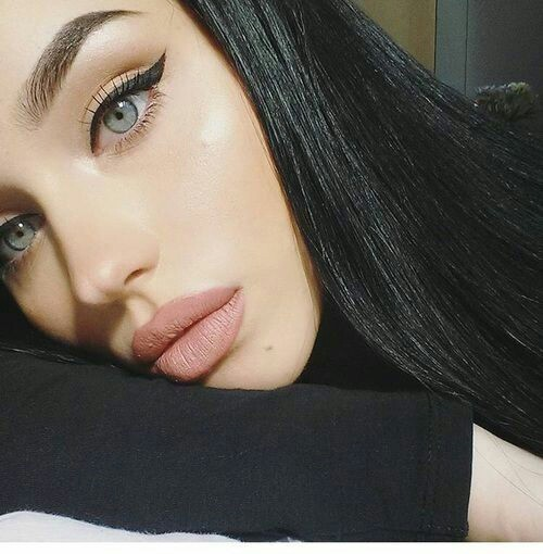 green eyes and black hair <3 on We Heart It