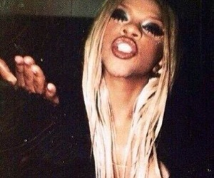 90s, Lil Kim, and queen bee image