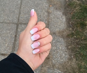 nails, promnails, and babyboomer image