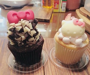 food, cupcake, and hello kitty image