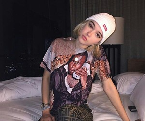 sarah snyder and girl image