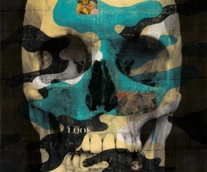 camo and skull image