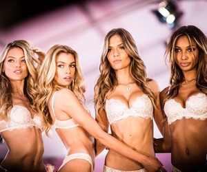 models and Victoria's Secret image