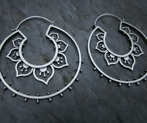 accessories, earring, and اكسسوارات image