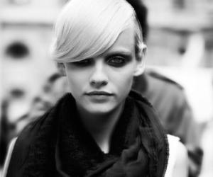 Elle and ginta lapina image