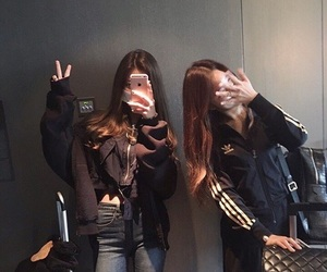 ulzzang, korean, and friends image