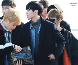 airport, Seventeen, and soonyoung image