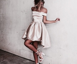 dress and nacre image