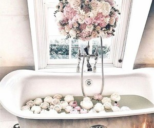 Bain, girly, and luxe image