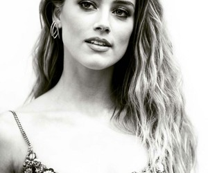 amber heard, I love her, and i'm crying image
