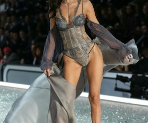bella hadid, beautiful, and fashion image