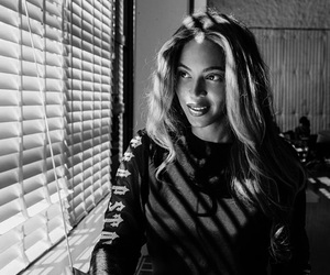 beyoncé and queen b image