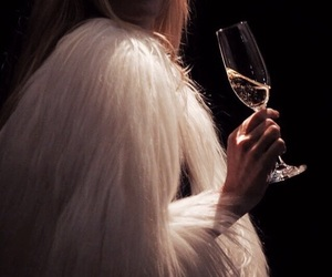 champagne, classy, and dark image