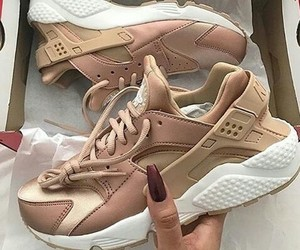basket, huarache, and mode image