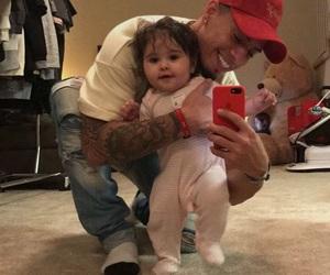 baby girl, austin mcbroom, and couple image