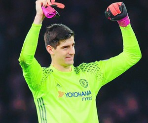 Chelsea FC, thibaut courtois, and football image