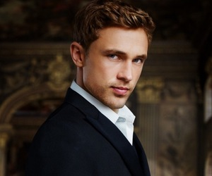 william moseley, the royals, and liam henstridge image