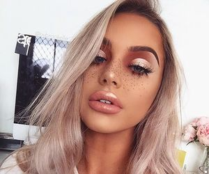 girl, lips, and makeup image