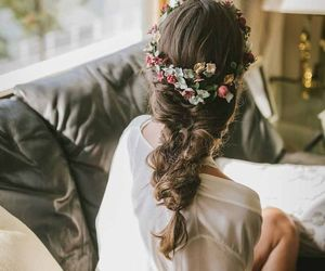 beautiful, bouquet, and hair image