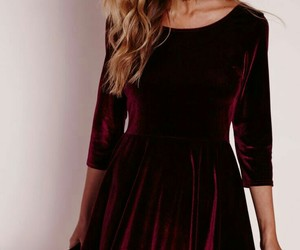 christmas outfits, burgundy lipstick, and long wavy blonde hair image