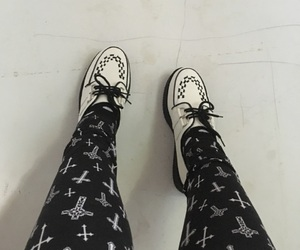 aesthetic, creepers, and pastel goth image