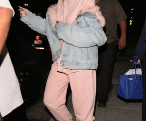 kylie jenner, pink, and jenner image