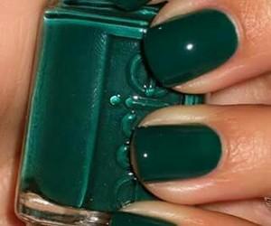 verde, oscuro, and pintauñas image