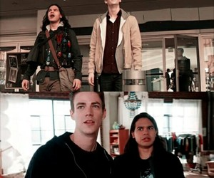 flash, cisco, and barry allen image