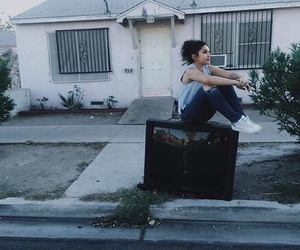 alessia cara, alternative, and four pink walls image