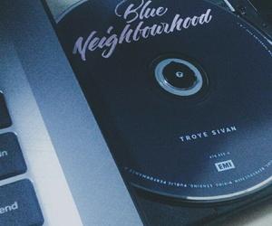 singer, troye sivan, and blue neighbourhood image