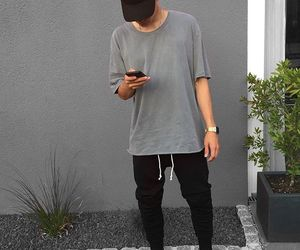 outfit, streetstyle, and tshirt image