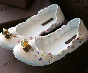 fashion, pretty, and Louis Vuitton image