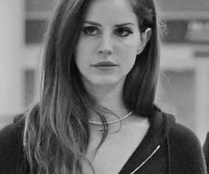 lana del rey, black and white, and singer image