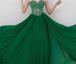 dress and formatura image