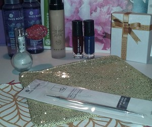 make up, cadeaux, and yves rocher image