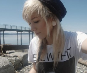 girl, cute, and Plugs image